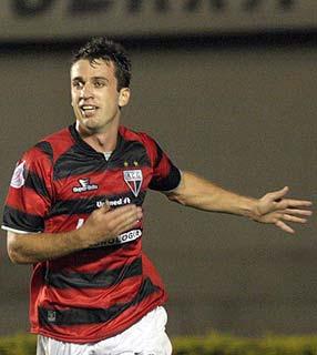 Elias do Atlético-GO