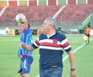 técnico Arnaldo Lira