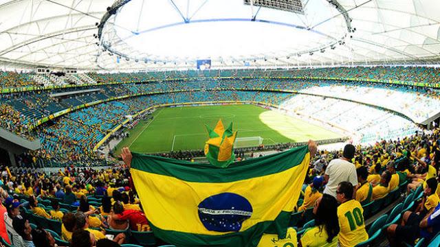 15ce2cf4f0455 torcida-brasil-dentro-fonte-nova-03-size-598