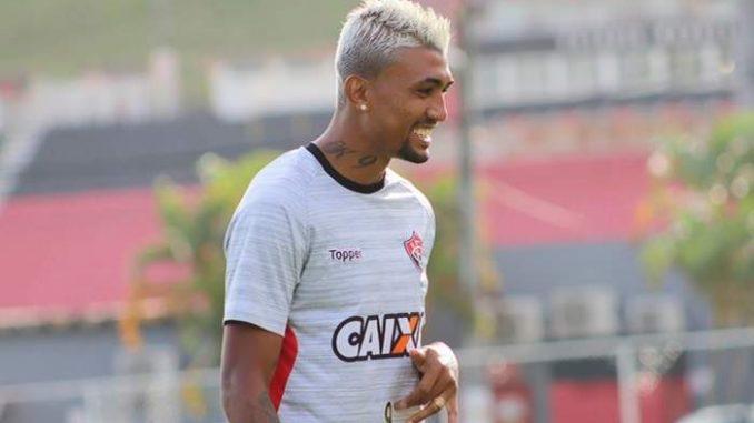 Deu para trás  Kieza rejeita o Botafogo e decide permanecer no Vitória deac4776275c9