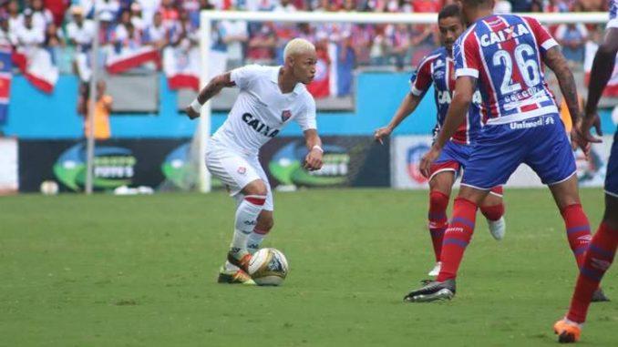 Bahia 2 x 1 Vitória  Veja os gols de Edigar Junior 34c959b07b93d