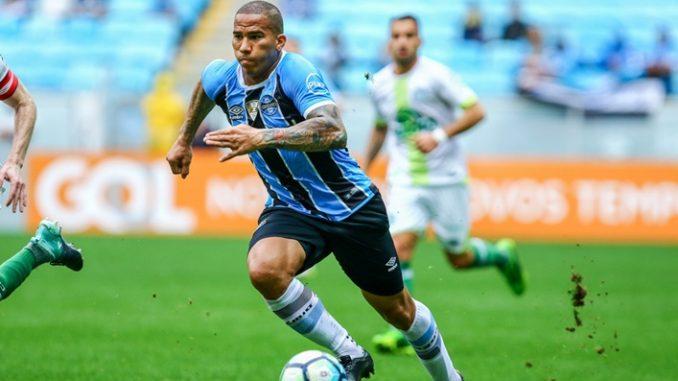 4efffb4163 Confira a provável escalação do Grêmio para enfrentar a Chapecoense
