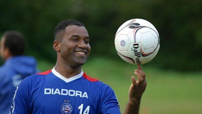 Sérgio Alves x Viola  Quem fez o gol mais bonito de bicicleta pelo Bahia  da46d09dc0434