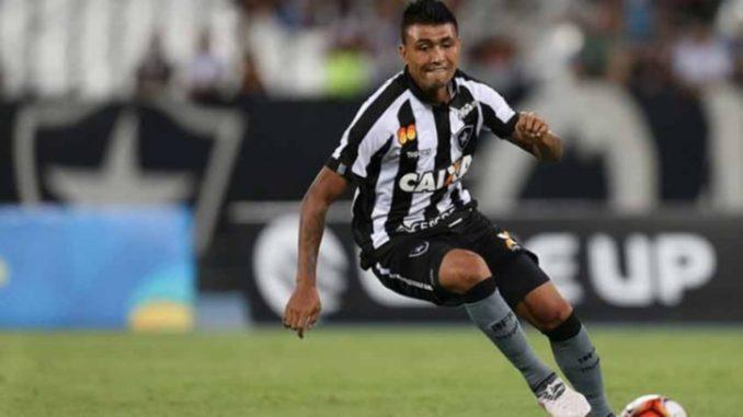 Botafogo 1 x 1 Vitória  Veja os gols de Denílson e Kieza 8f8261be9e90e