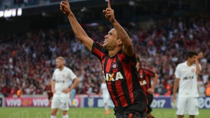 30f522a1a0 Assista todos os gols do passeio do Atlético-PR sobre o Vitória. 4 x 0