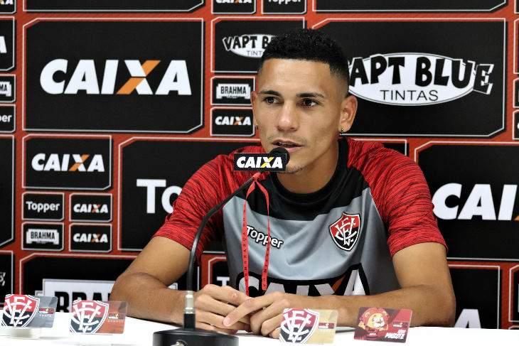 Leo Ceará jogador do Vitória