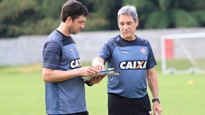 c7076efbdc Paulo César Carpegiani comanda 1º treino no Vitória de olho no Palmeiras