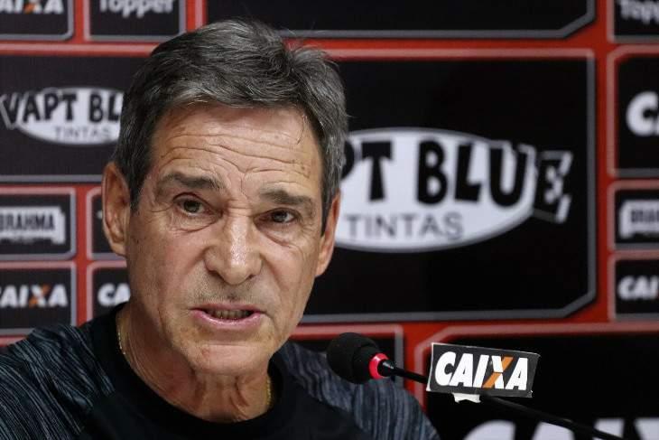 Paulo Cesar Carpegianni tecnico do Vitória