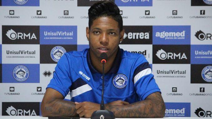 Atacante revelado na base do Bahia é o novo contratado do Vitória c443d426f7b53