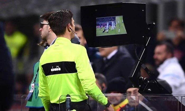 VAR árbitro de vídeo
