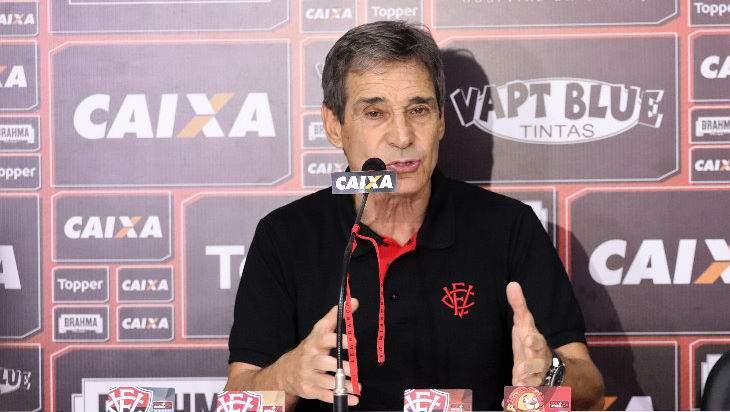 Paulo Cesar Carpegiani tecnico do Vitória