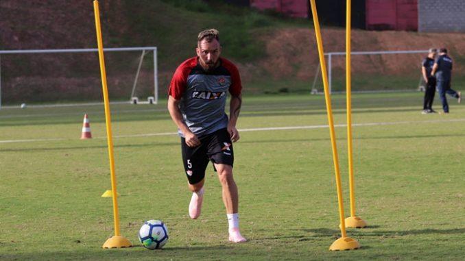 Carpegiani comanda treino tático no Vitória de olho no Botafogo 61aeb0bd3c0c9