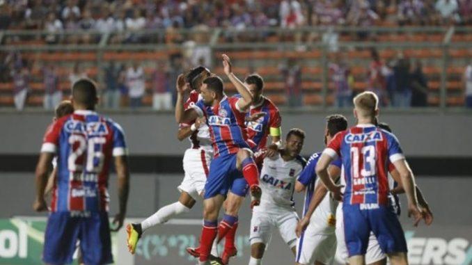 Assista aos melhores momentos do jogo Bahia 2 x 0 Paraná em Pituaçu 35beb2783d1d0