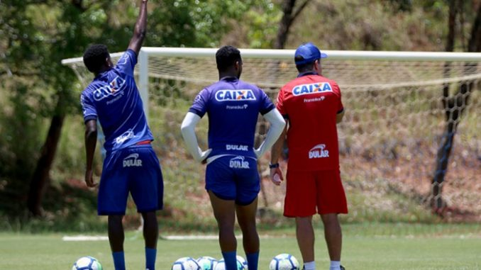 Confira a provável escalação do Bahia para enfrentar a Chapecoense b74fc7584bcad