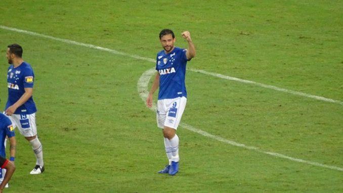 38cee8605b Cruzeiro 3 x 0 Vitória  Confira os gols de Fred e Aderllan (contra)