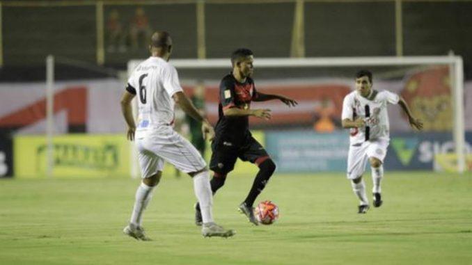 5cd852d42b João Neto destrói e Vitória perde a invencibilidade no Campeonato Baiano