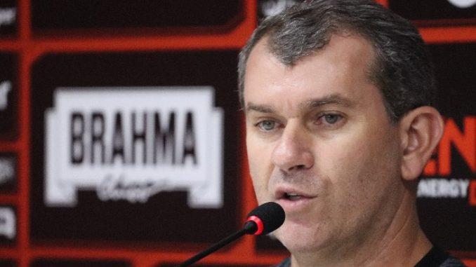 Cláudio Tencati, novo técnico do Vitória é apresentado oficialmente