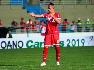 Na seqüência dos jogos do sábado, o CRB surpreendeu e venceu o Confiança no Estádio Lourival Baptista pelo placar de 2 x 0 com gols de Maílson e Victor Rangel, ambos ainda no primeiro tempo