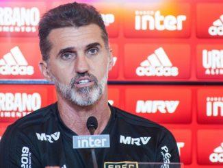 Já o técnico Vagner Mancini não deixou barato, segundo ele, esperará passar a partida contra o São Caetano, válido pelo Campeonato Paulista, para se manifestar sobre as acusações feitas pelo goleiro Jean