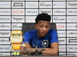 Um dos destaques do Botafogo foi o jovem Gustavo Bochecha, de 22 anos, que ganhou uma chance entre os titulares com o treinador e não decepcionou. Quarto maior passador da rodada, com 82 passes certos e apenas dois errados, o volante foi também o principal ladrão de bolas da rodada, com sete desarmes certos.