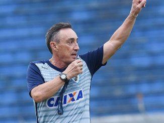 O Londrina é treinado por Roberto Fonseca que recentemente conduziu o Sampaio Corrêa para o titulo da Copa do Nordeste, justamente contra o Bahia em plena Arena Fonte Nova.