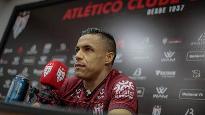 Com 30 jogos em 2021 pelo Dragão, Arnaldo destaca treinamentos específicos de finalização. Lateral concorre a vaga de titular contra o Bahia