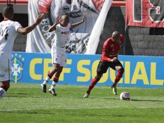 Juntamente com o Xavante, o Leão da Barra venceu apenas duas partidas em 18 rodadas na Série B do Brasileiro. O Vitória também a 9 empates