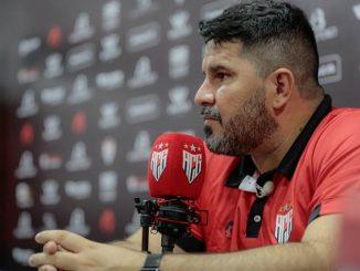 Eduardo Barroca, do Atlético-GO, valoriza tempo de recuperação dos jogadores do Dragão. Neste domingo, a equipe enfrenta o Bahia