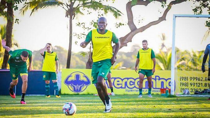 Aos 37 anos de idade, zagueiro com passagens por dois clubes baianos é anunciado pelo Sampaio Corrêa como novo reforço da temporada.