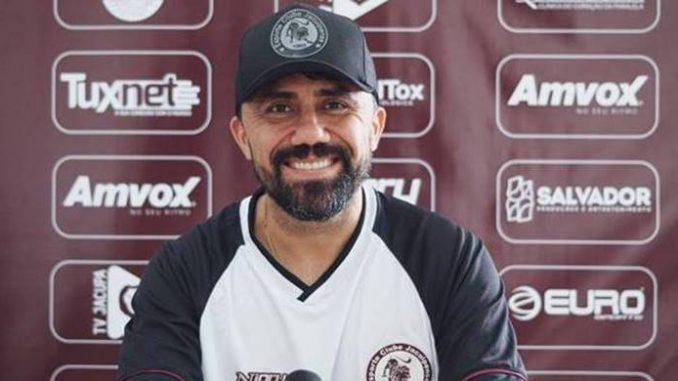 Após passagem no Manaus FC, técnico chega ao Leão do Sisal para fazer a equipe voltar a vencer. Luizinho Lopes treinou 6 clubes na carreira